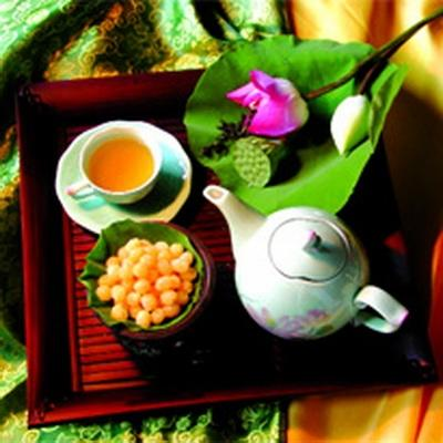 một ly trà lá sen hàng để giảm béo